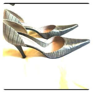 7.5 Kenneth Cole heels